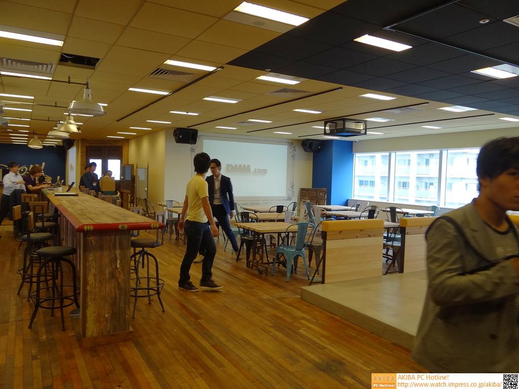12Fのカフェスペース