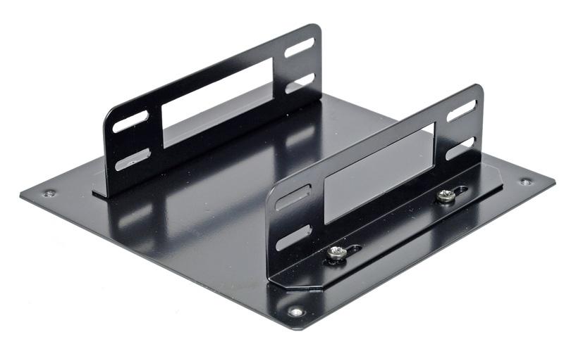 <b>親和産業 SS-N120BPMT</b> 実売価格:1,000円前後<br>PCケースのファン増設用スペースに2台のSSDを搭載するユニット。12cm角ファン取り付け用のネジ穴を利用して取り付ける