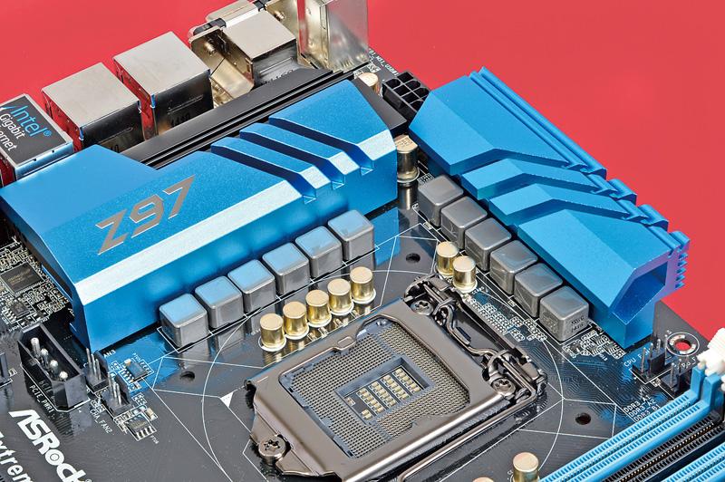 "<b class="""">1クラス上の電源回路を搭載</b><br class="""">プレミアム合金チョークやデュアルスタック MOSFETなど高性能部品を採用した12フェーズ構成のデジタル電源回路を搭載する"