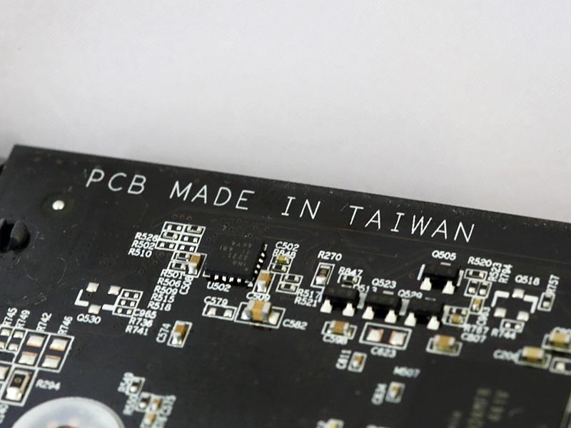基板は台湾製造。銅配線層の厚みを2倍にした「2oz Copper PCB」。
