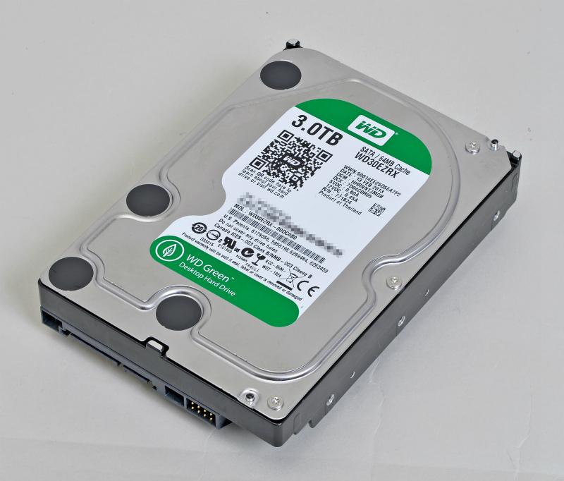 "<b class="""">省電力と静音動作のWD Green</b><br class="""">HDDは低消費電力動作が特徴のWestern Digital WD Greenから3TBを選択。静音性や放熱性にも優れている"