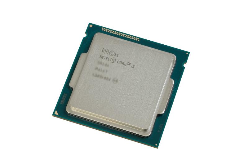 """<b class="""""""">低消費電力CPUと組み合わせる</b><br class="""""""">GeForce GTX960が低消費電力なので、CPUもそれに合わせてTDP65Wの低消費電力モデルを採用。発熱が抑えられ、小型ケースでも使いやすい"""