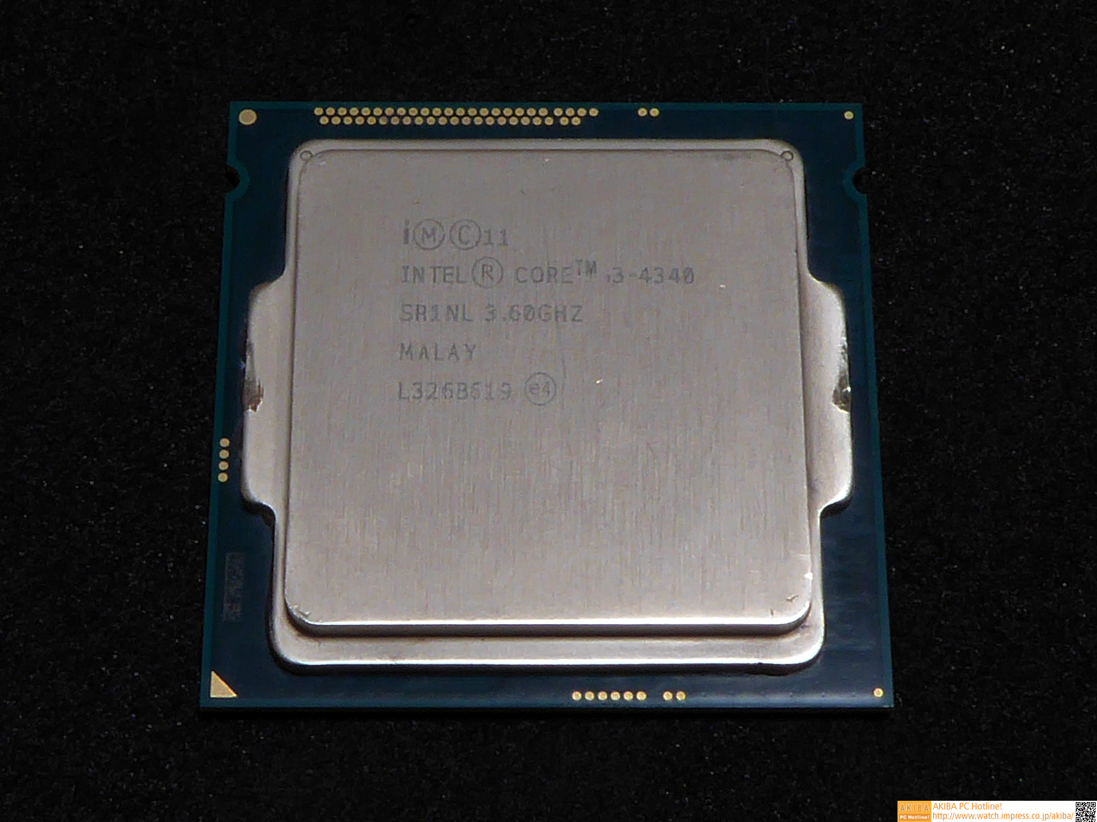 """<strong class="""""""">CPU:Intel <a class="""""""" href=""""http://ark.intel.com/ja/products/77771/Intel-Core-i3-4340-Processor-4M-Cache-3_60-GHz"""">Core i3-4340</a></strong><br class="""""""">Intelの第4世代CoreマイクロアーキテクチャベースのデュアルコアCPU。デュアルコアではあるが、Hyper-Threading Technologyによって4スレッドの同時実行が可能となっている。また、動作クロックが3.6GHzと高めに設定されているため、シングルスレッド性能には期待が持てる"""
