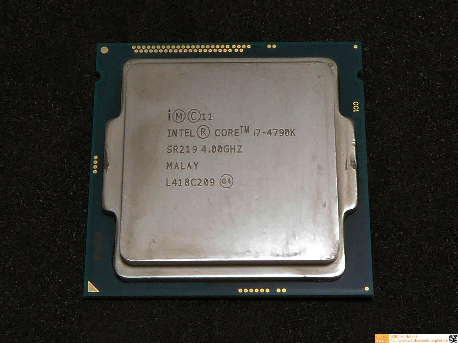 """<strong class="""""""">CPU:Intel <a class="""""""" href=""""http://ark.intel.com/ja/products/80807/Intel-Core-i7-4790K-Processor-8M-Cache-up-to-4_40-GHz?q=Core%20i7-4790K"""">Core i7-4790K</a></strong><br class="""""""">第4世代CoreマイクロアーキテクチャベースのLGA1150 CPUの中で現在最上位に位置するクアッドコアCPU。Hyper-Threadingによって8スレッドの同時実行が可能だ。動作クロックも、シリーズ最高の4GHz、Turbo Boost時には最大4.4GHz駆動となる。なお、型番末尾の「K」は、オーバークロック対応を表わしている。Core i7-4790Kではとくに、CPUダイと、そのカバーであるヒートスプレッダの間に、ほかのIntel CPUのものよりも熱伝導率の高い特別のペーストを塗布しており、オーバークロック性能を引き上げている。"""