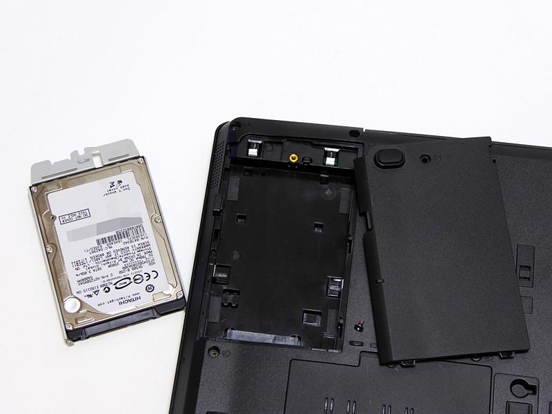 HDDの取り外し→ソフトウェアのコピーツールでHDD→SDDにコピー→そしてSSDを取り付けて完成だ