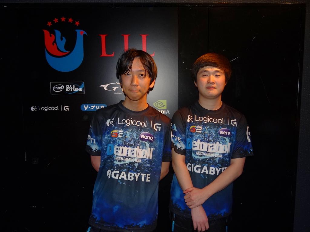 Yutapon選手(左)とRokenia選手(右)