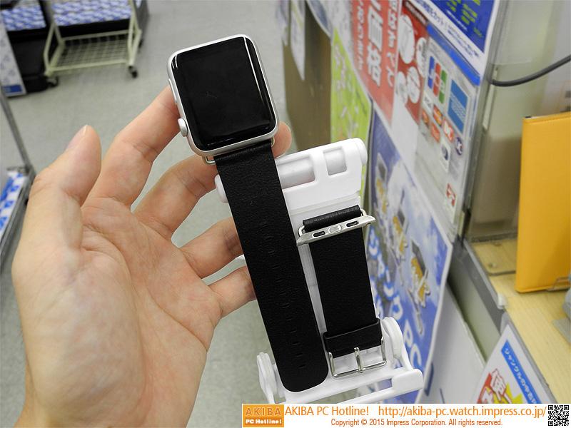Apple Watchに取り付けた様子。