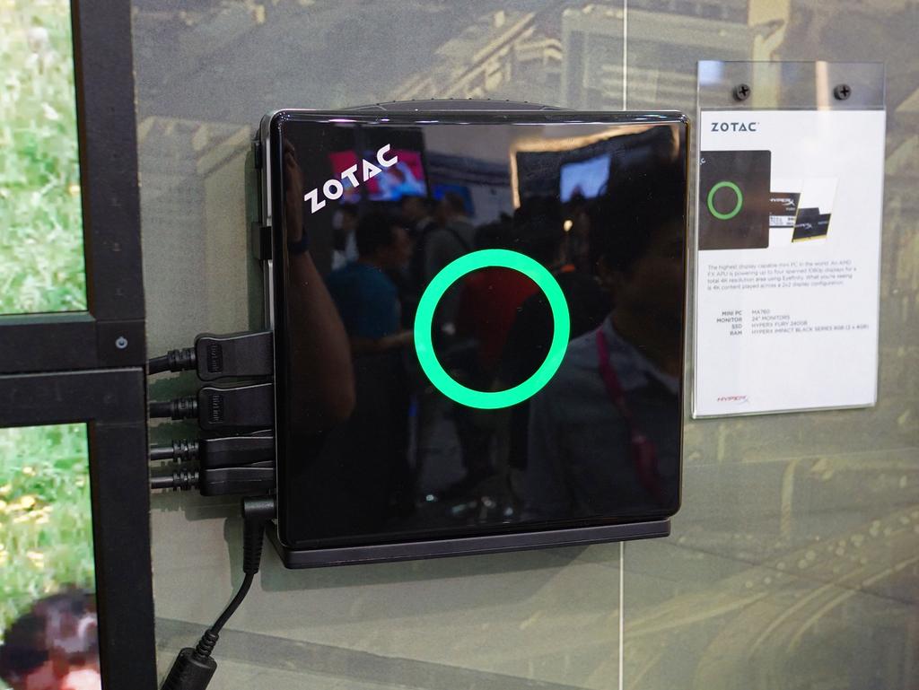 4画面出力/AMDベースのMA760。「フルHDパネル4枚で4K相当の出力ができる」のがウリ