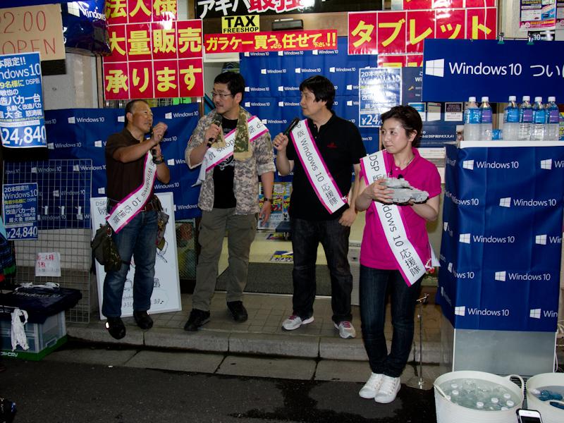 隣の@@link|https://used.prins.co.jp/shop/r_akihabara/|Rmobile秋葉原店@@でも、World of Tanksとガールズ&パンツァーのコラボ話で盛り上がりました