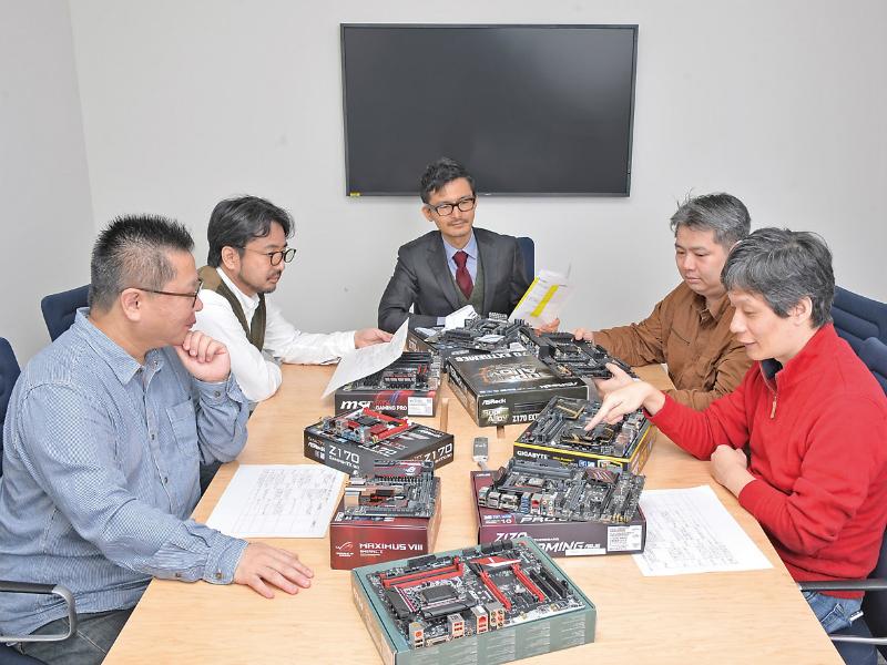写真左から竹内亮介氏、滝 伸次氏、佐々木修司(DOS/V POWER REPORT編集長)、鈴木雅暢氏、加藤勝明氏