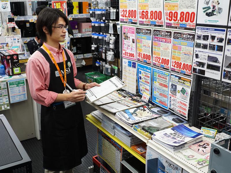 6Fには一式購入などを相談できるカウンターが用意されている