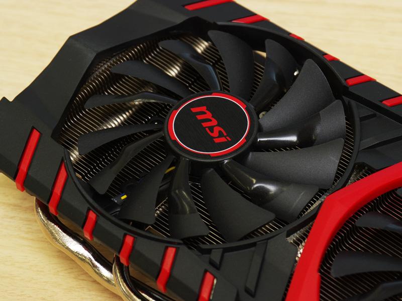 GTX 960 GAMING 4G FFTZはGeForce GTX 960を搭載したビデオカード。メモリはGDDR5 4GB。オリジナルデザインクーラー「Twin Flozr」を搭載するゲーム向けモデルだ。