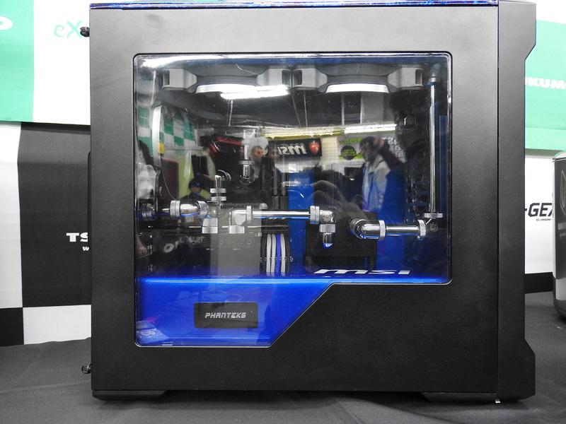 5台目水冷PCは、Phanteksのケースを採用している