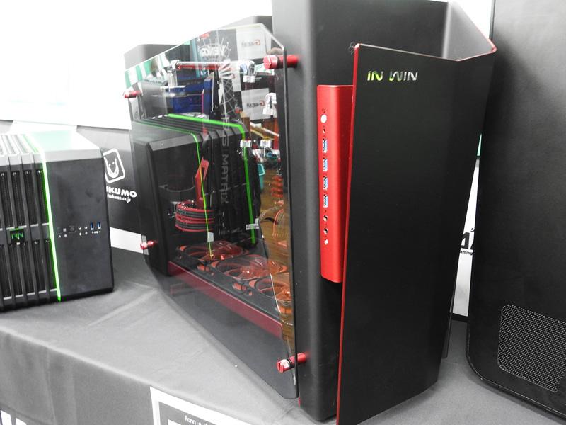 Ronnie Hara氏が作成したMOD PC。IN WINのケースを採用している