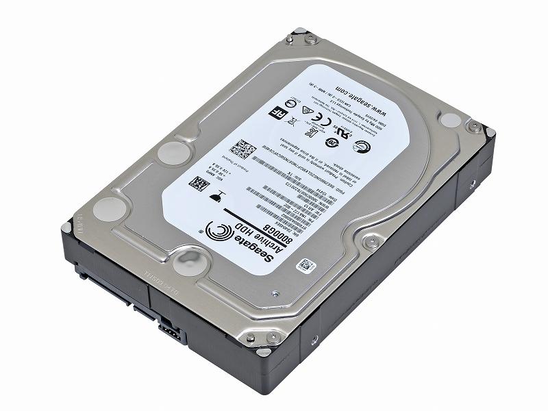"""<b class="""""""">Seagate Technology<br class="""""""">Archive HDD v2 ST8000AS002<br class="""""""">実売価格:27,000円前後</b>SeagateのArchive HDD V2は、8TBという現在トップクラスの容量を実現しながら、安価ということで人気が高い。SMRを採用した数少ない製品の一つだ"""