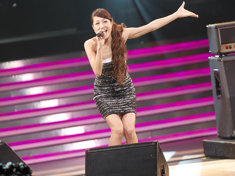 GIRL NEXT DOORの千紗さん(ボーカル)、井上裕治さん(ギター)、鈴木大輔さん(キーボード)