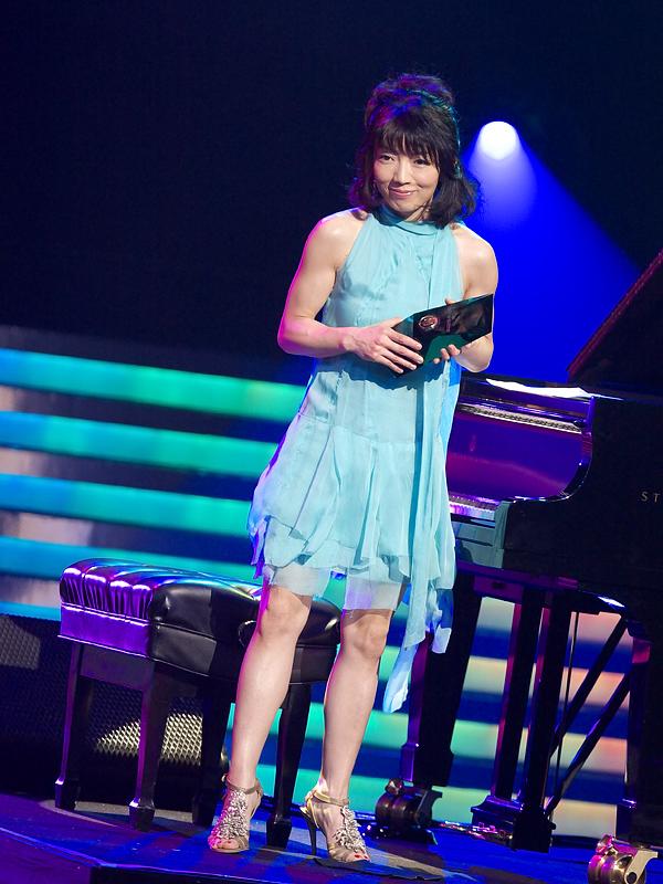 山中千尋さんは「アフター・アワーズ」で、ジャズ・アルバム・オブ・ザ・イヤーの邦楽部門を獲得。「電話で連絡受けたんですけど、間違い電話だと思ってそのまま無視しました」と山中千尋さん。なお、2008年に日本で発売されたアルバムは、15,823タイトル