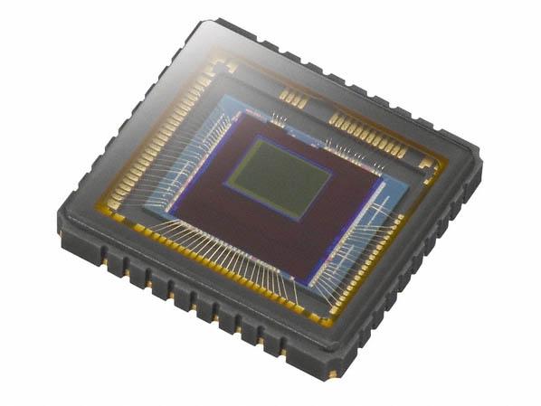 裏面照射型CMOSの「Exmor R」