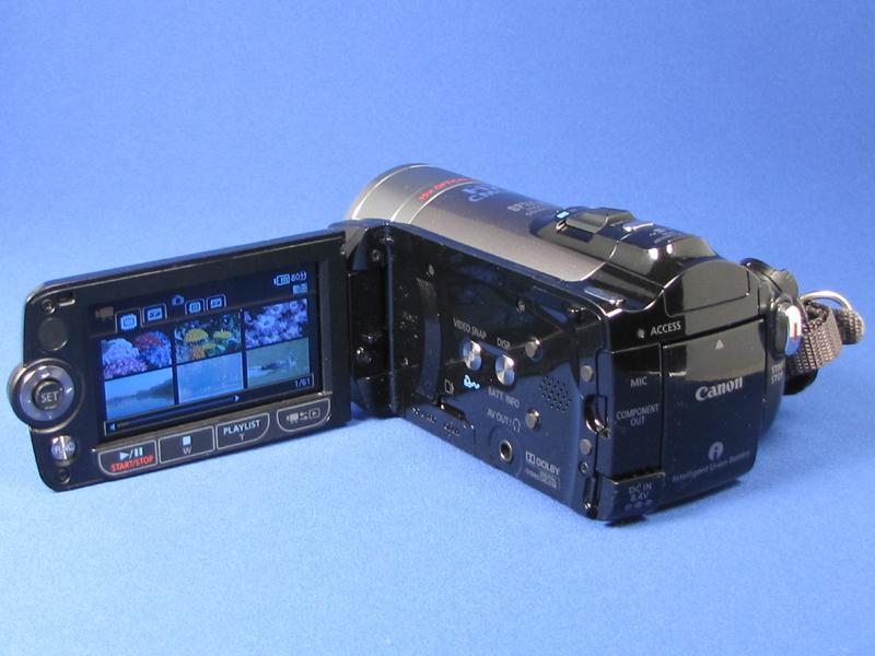液晶内側にはS10と同じくビデオスナップボタンが