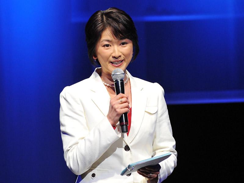日本テレビの豊田順子アナウンサーが司会を担当