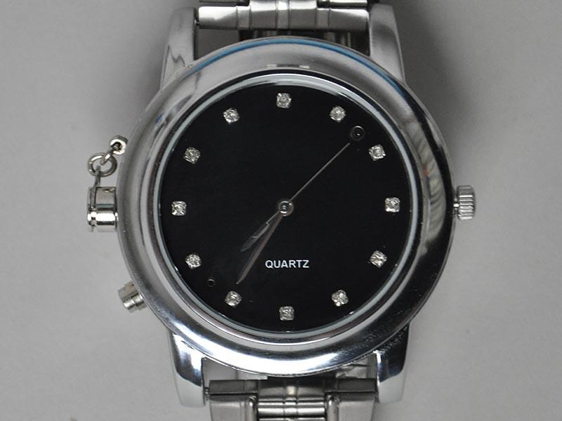 普通の腕時計として利用できる