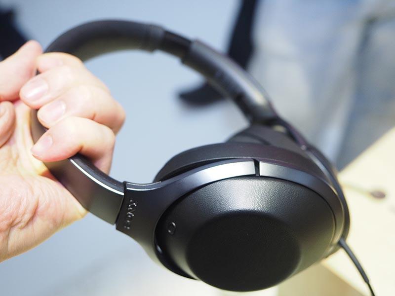 ワイヤレスのフラッグシップヘッドフォン「MDR-1000X」