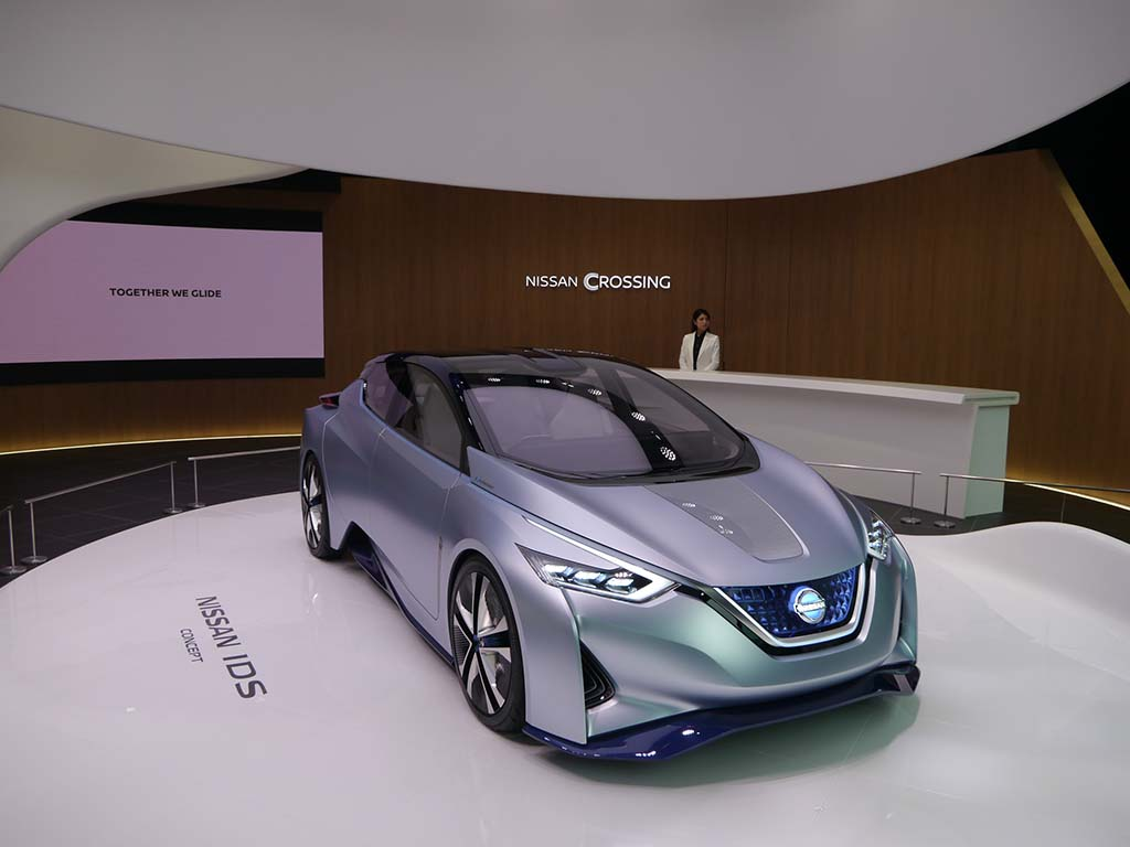 コンセプトカーの「NISSAN IDS」を展示