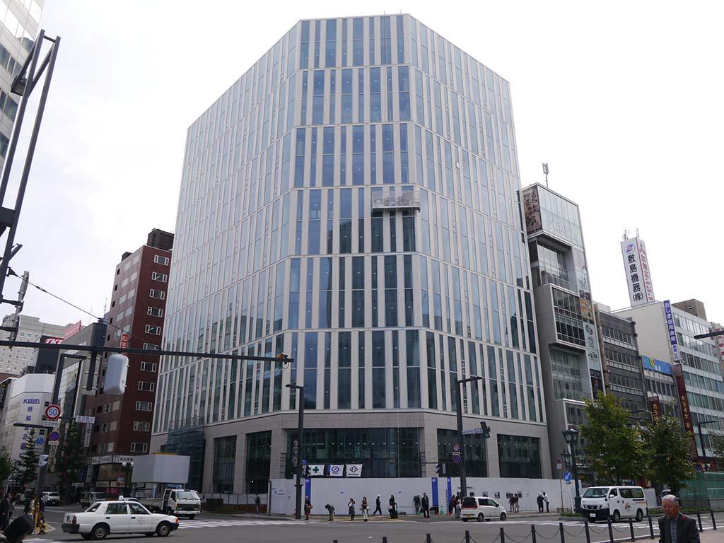 札幌市内では新たなビルが相次いで建設されている