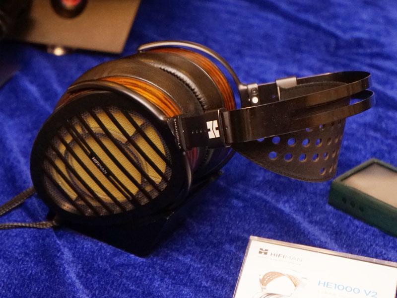 静電型のヘッドフォン