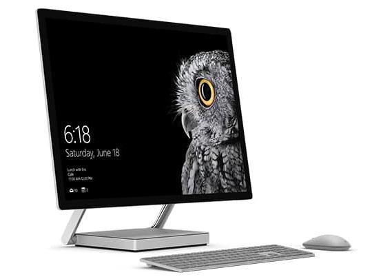 クリエイター向けのデスクトップパソコン「Surface Studio」。デスクトップモード時