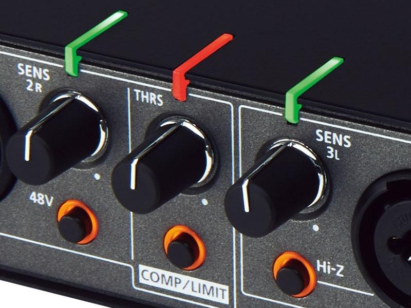 本体正面や上から音声入力の状態を確認できる「レベル・インジケーター」