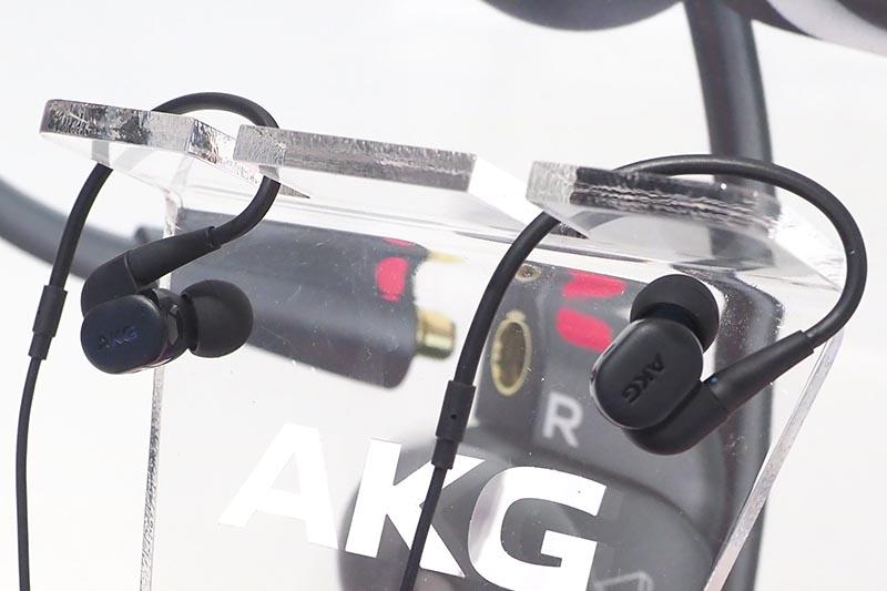 「N30」には交換可能なサウンドフィルターを装備
