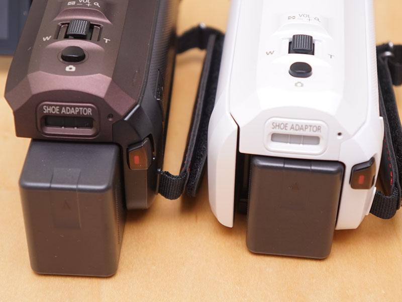 WX995Mは長時間撮影が可能なバッテリを同梱