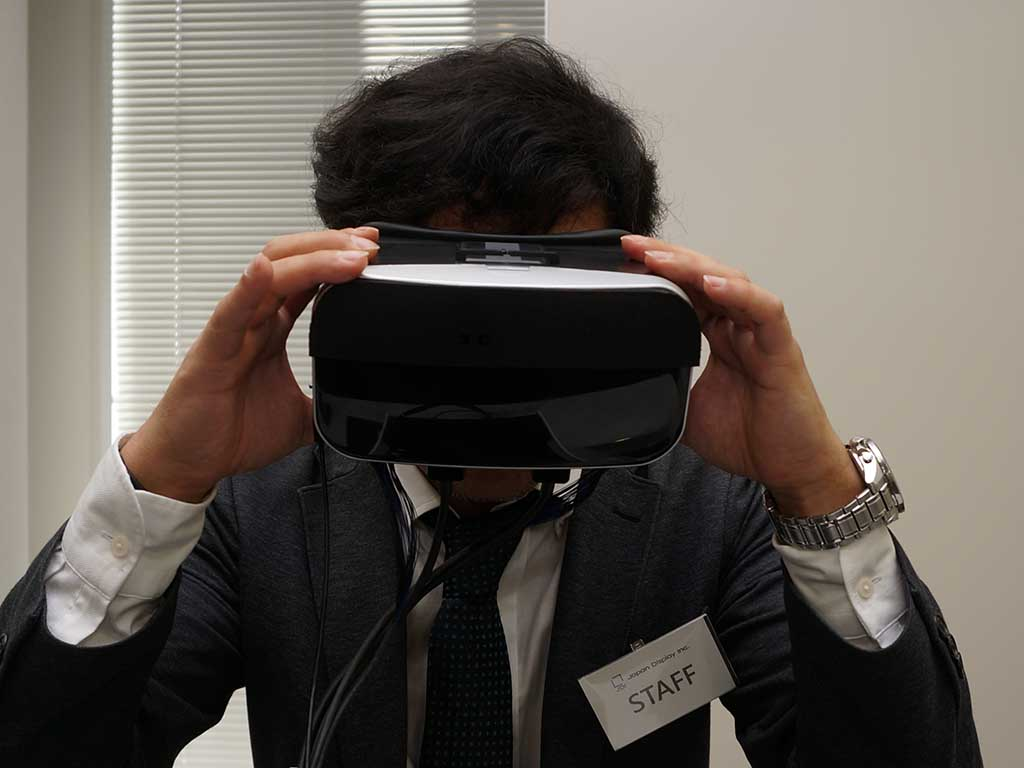 VR HDM用液晶パネルを搭載した開発機