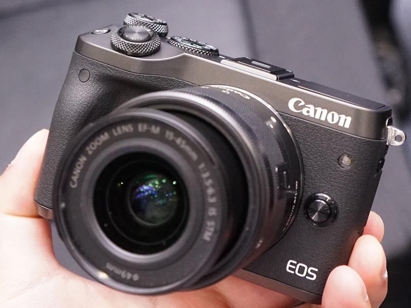 ミラーレスカメラの新モデル「EOS M6」