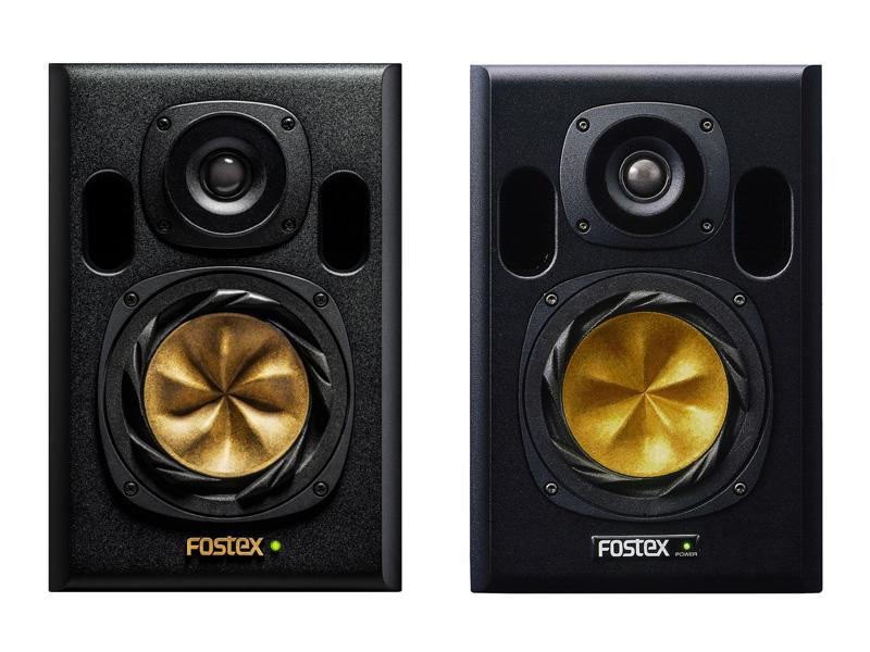 左が新モデル「NF01R」、右が「NF-01A」