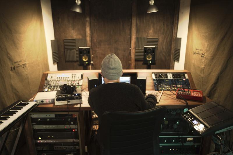mabanua氏がスタジオで使用している写真