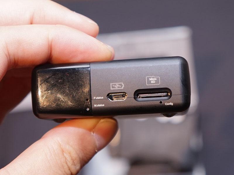 microSDカードスロットも備えている