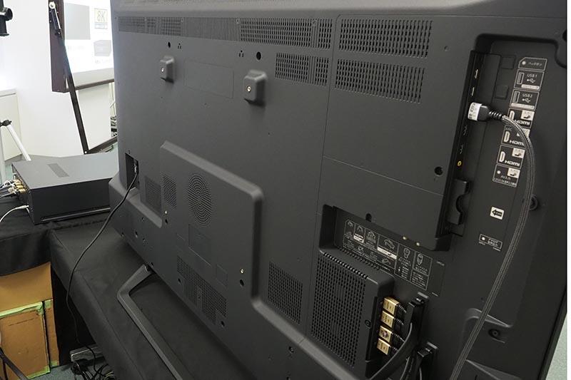 LV-70002の背面