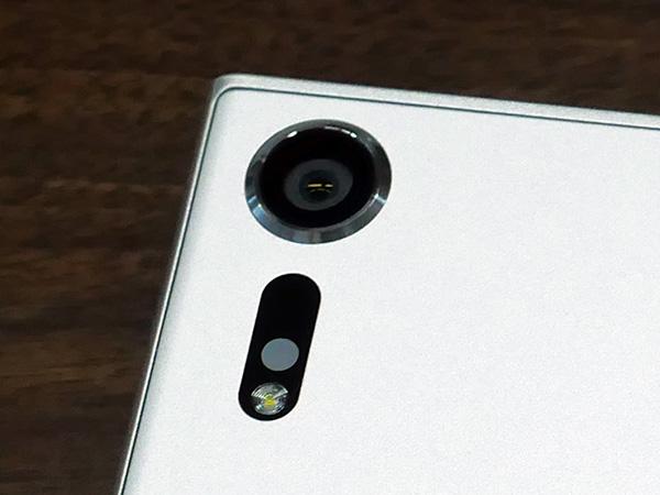 Xperia XZsの背面カメラ