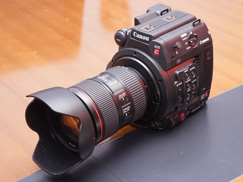 LCDモニタなどを省いてドローンなどへの搭載も想定した「C200B」