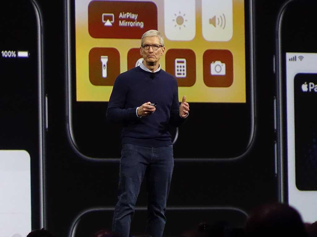 アップルのティム・クックCEO。例年以上に長時間壇上に立ち、これからのアップルのビジョンを解説した