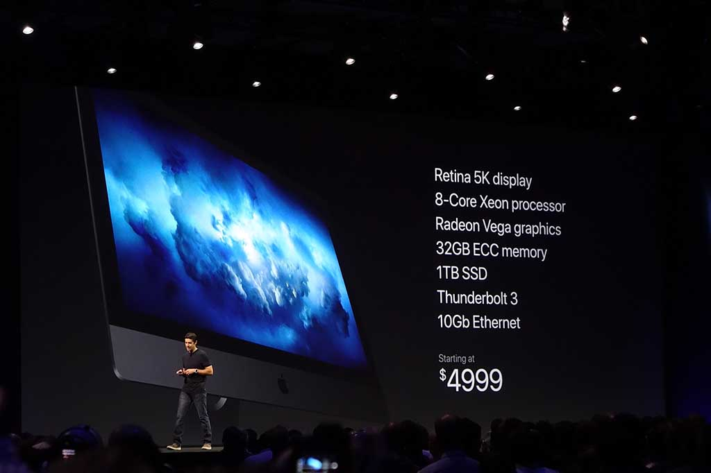 iMac Pro。発売は年末なので、今回は「顔見せ」の扱い。非常にパワフルで、完全にコンテンツクリエーション向けだ