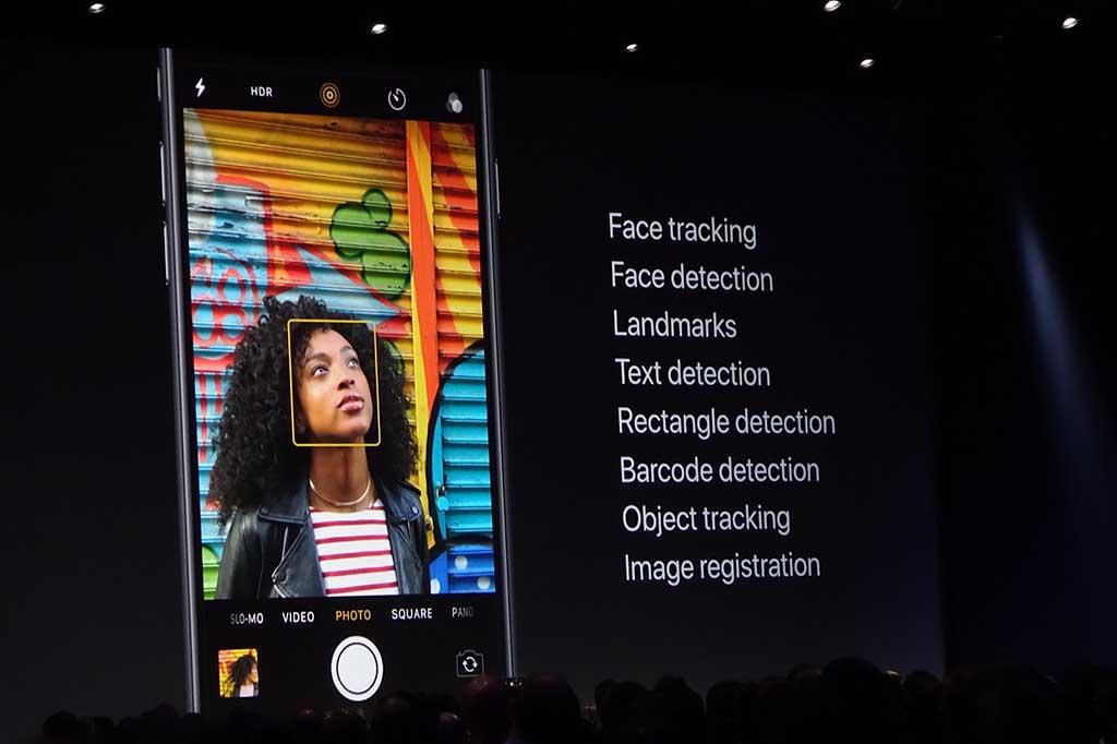 画像認識系のAPIがデベロッパーに公開。これによって、アップルの持つ機械学習の能力をアプリの中で広く使えるようになる