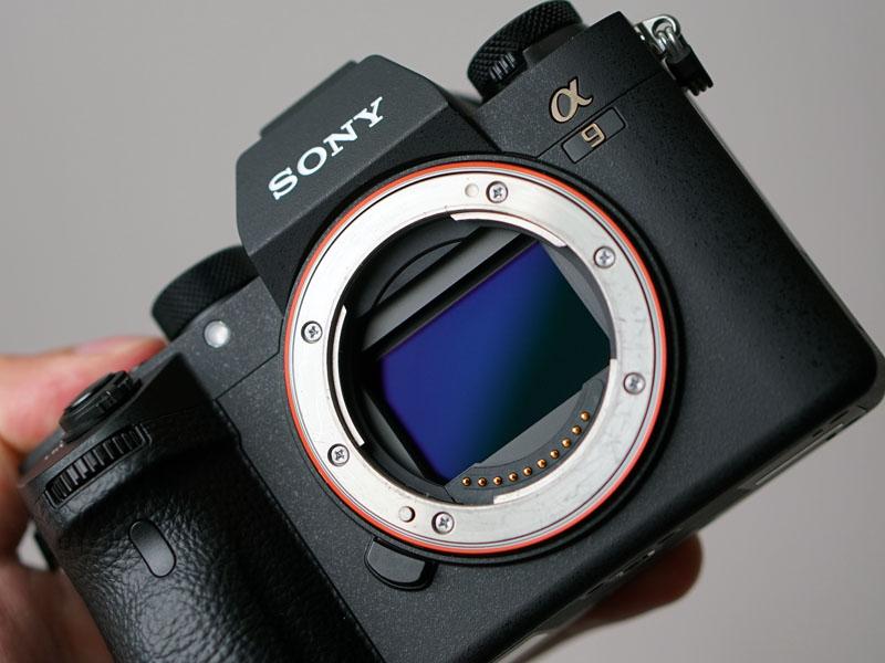 α9のポイント、35mmフルサイズのExmor RSセンサー