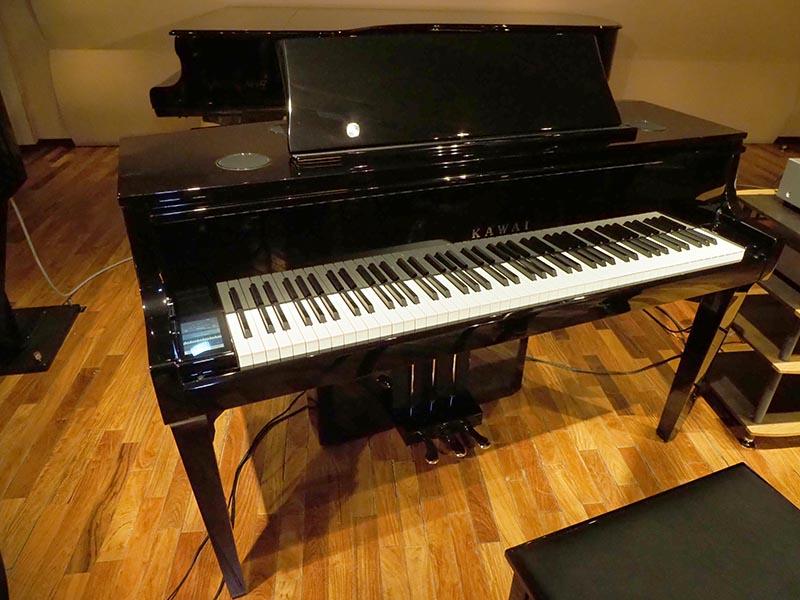 河合楽器製作所のハイブリッド・ピアノ「NOVUS NV10」