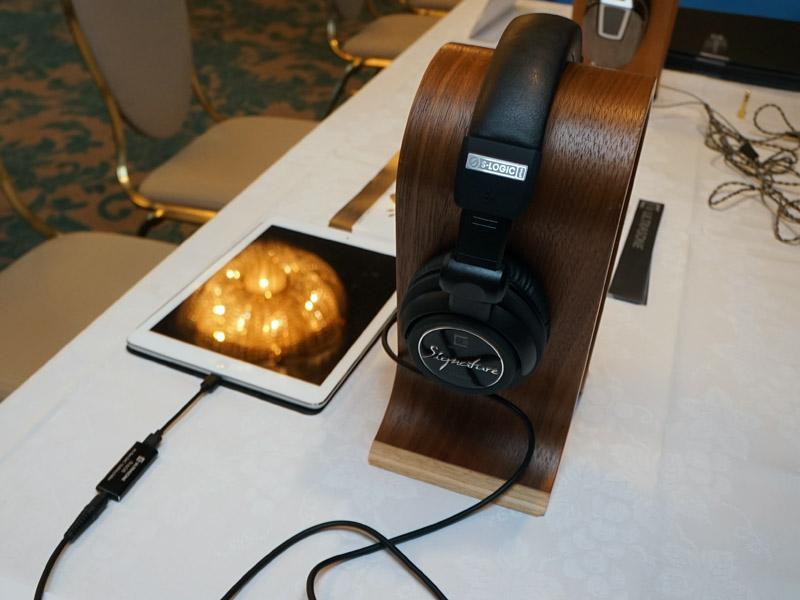 ULTRASONEのヘッドフォンをスマートフォンなどで再生する際に最適だという
