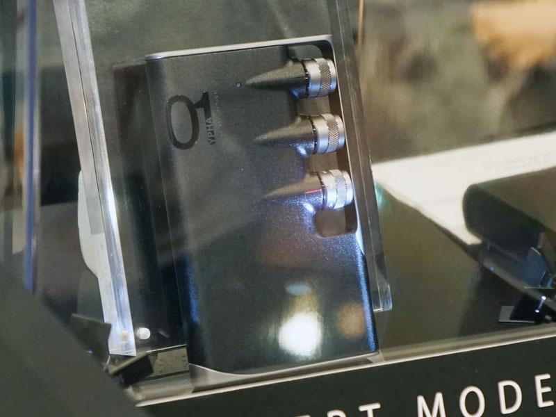 音場創生技術を投入した、ポータブルヘッドフォンアンプのコンセプトモデル