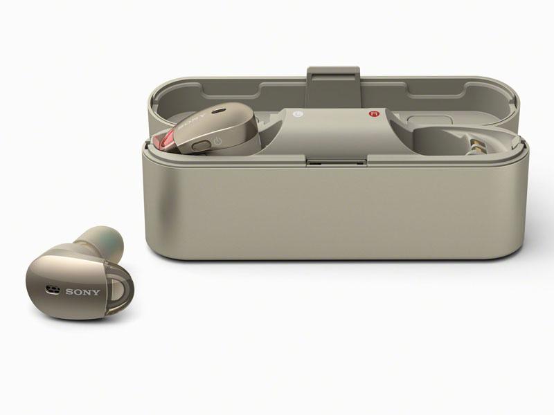 イヤフォンを収納するケースがバッテリケースも兼ねている
