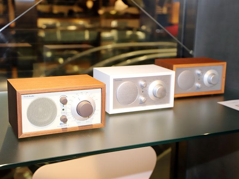 従来モデルのBluetooth対応FMラジオ「Model One BT」